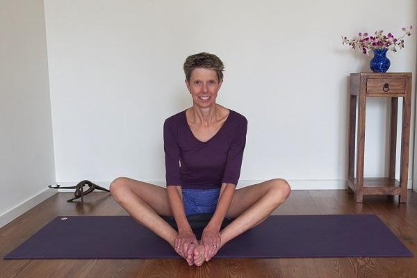 Therapeutic Yoga Class - Ease Body Stiffness 1